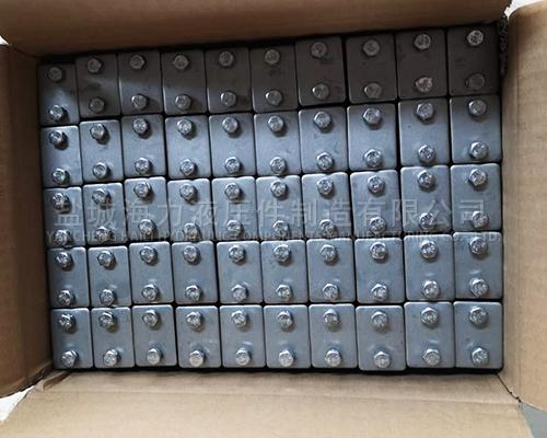 304材质轻型塑料管夹